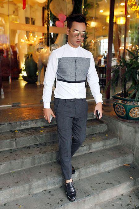 MC Thanh Trung banh bao, lich lam trong tiec tri an - Anh 6