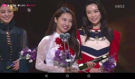 Nha Phuong duyen dang voi ao dai nhan giai thuong o Han Quoc - Anh 7