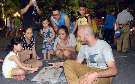 Pho di bo Ha Noi: Muc tieu khong phai loi nhuan hay may dong ban bia! - Anh 2