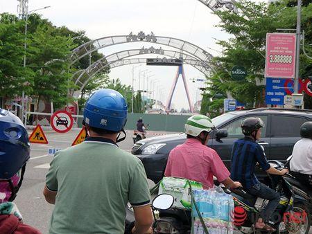 Da Nang: Den Tet Nguyen dan, phia Tay cau Song Han van se rat ngon ngang! - Anh 1