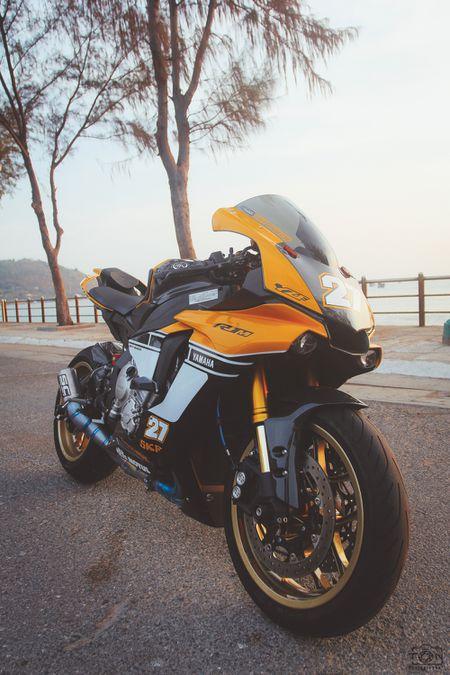 Yamaha R1 ban ky niem 60 nam gay an tuong voi dan ao moi - Anh 7