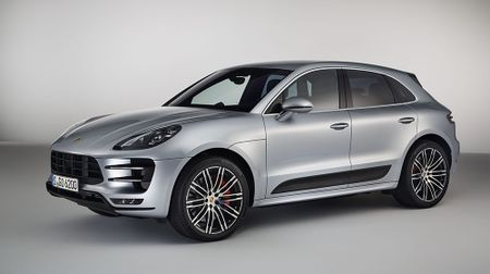 Porsche Macan Turbo them suc manh, gia hon 5,5 ty dong - Anh 2