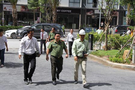 Thu truong Bui Van Thanh kiem tra tien do du an nha o danh cho CBCS tai TP HCM - Anh 1