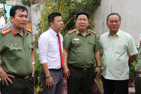 Thu truong Bui Van Thanh kiem tra tien do du an nha o danh cho CBCS tai TP HCM - Anh 2