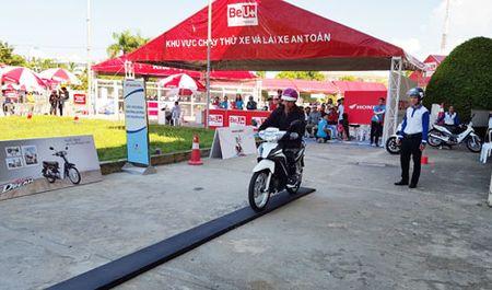 """""""Be U+ with Honda"""" thu hut hon 800.000 luot khach hang - Anh 1"""