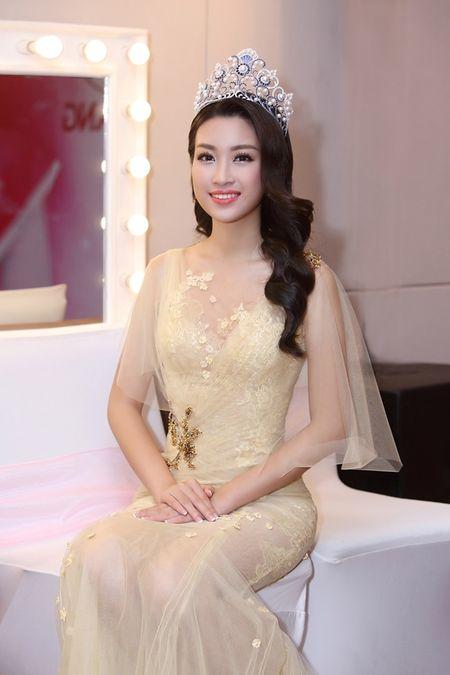 Hoa hau Do My Linh khoe nhan sac trong trang phuc cua NTK Hoang Hai - Anh 4