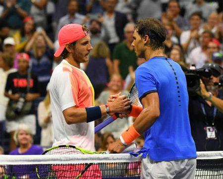 """Thua soc, Nadal noi ve chuyen """"nghi huu non"""" - Anh 1"""
