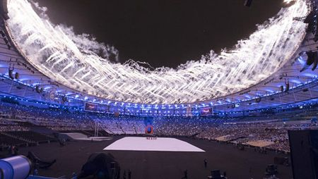 Khai mac Paralympic 2016: Lung linh huyen ao & trang le - Anh 1