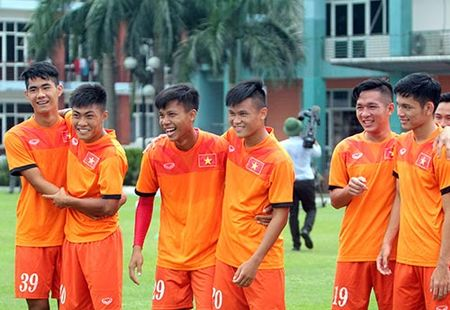 Sau lua Cong Phuong, U19 VN lai mo vo dich giai U19 DNA - Anh 1