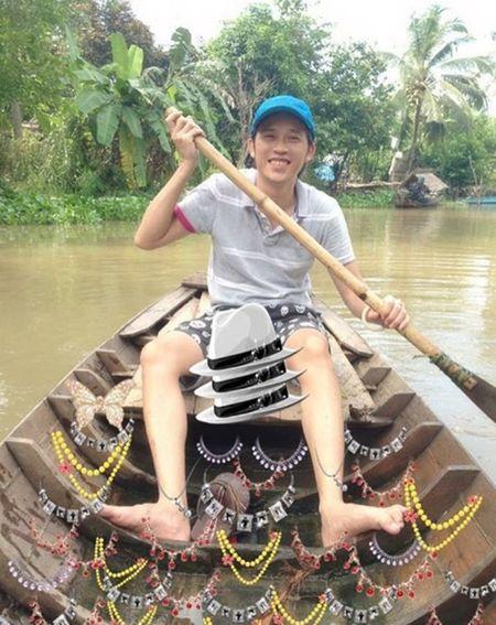 Cuoc song gian di cua Hoai Linh trong nha tho To nghiep tram ty dong - Anh 12