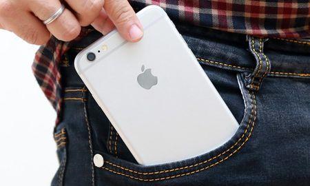 Nhung thoi quen tai hai khien smartphone nhanh 'xuong ma' - Anh 3