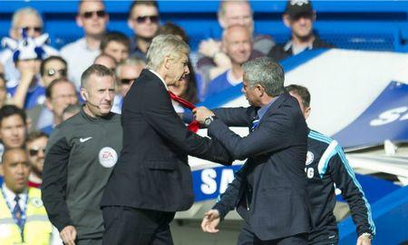 Wenger khong cho Mourinho ngoi canh tai hoi nghi UEFA - Anh 1