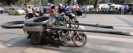 """Bao My: O to tu lai """"bo tay"""" voi giao thong Viet Nam - Anh 2"""