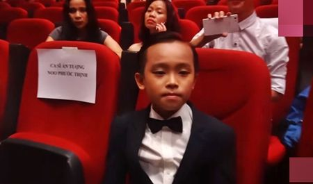Ho Van Cuong ngo lo Son Tung M-TP khi ngoi canh nhau o VTV Awards - Anh 2