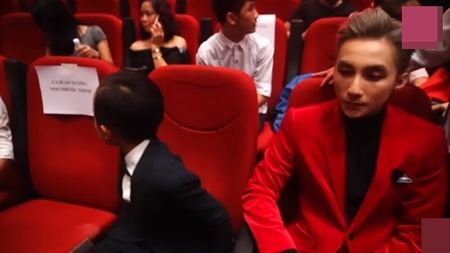 Ho Van Cuong ngo lo Son Tung M-TP khi ngoi canh nhau o VTV Awards - Anh 5