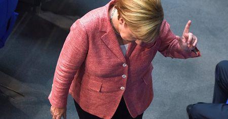 Vi sao de che cua ba Merkel dang lui bai? - Anh 1