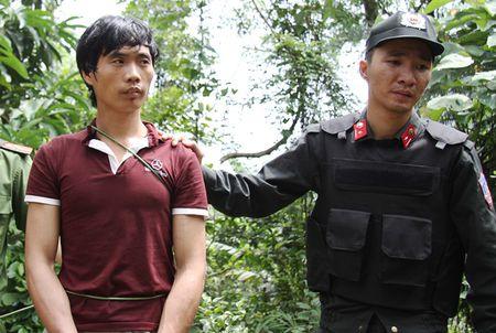 4 nguoi bi sat hai o Lao Cai: Nghi can tron cho nghiep vu the nao? - Anh 1