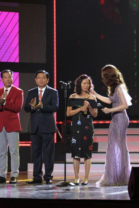 """Nhac si Tran Lap lam """"Nhan vat cua nam"""" trong VTV Awards 2016 - Anh 7"""