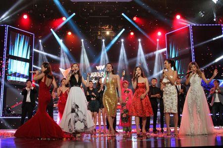 """Nhac si Tran Lap lam """"Nhan vat cua nam"""" trong VTV Awards 2016 - Anh 8"""