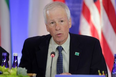 Bo truong Ngoai giao Canada Stephane Dion: Can phai ton trong phan quyet cua PCA ve Bien Dong - Anh 1