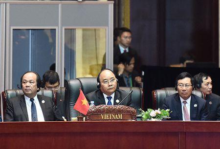 Hien thuc hoa Cong dong ASEAN nang dong - Anh 1
