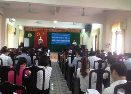 LDLD Ninh Binh: Tap huan nghiep vu cong tac cong doan nam 2016 - Anh 2