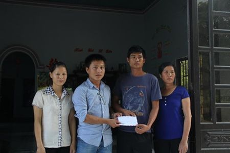 Vu tai xe xe tai dung cam cuu nguoi va cuu xe khach tren deo Bao Loc: Toi khong the khong cuu nguoi - Anh 4