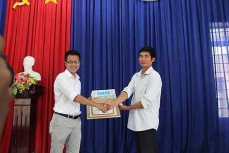 Vu tai xe xe tai dung cam cuu nguoi va cuu xe khach tren deo Bao Loc: Toi khong the khong cuu nguoi - Anh 5