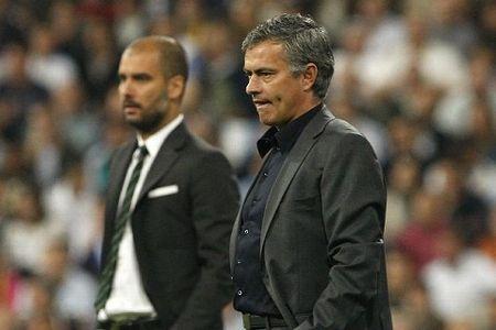 Derby Manchester: Nhung diem nhan chien thuat cua Mourinho va Guardiola - Anh 1