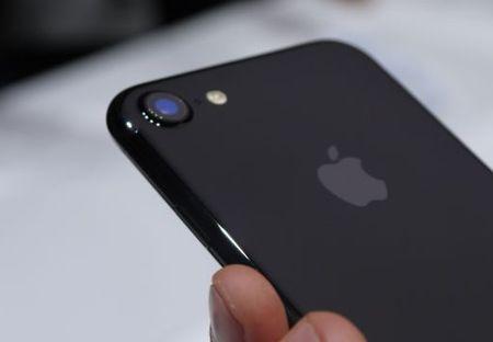 Can canh bo doi iPhone 7 vua ra mat cua Apple - Anh 2