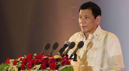 Tong thong Duterte: Dung giang dao Philippines ve nhan quyen - Anh 1