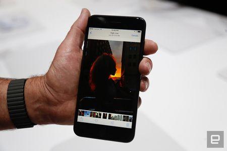 Nhung hinh anh thuc te dau tien iPhone 7/7 Plus Apple vua ra mat - Anh 25