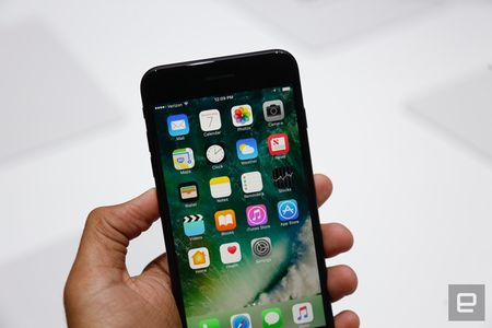 Nhung hinh anh thuc te dau tien iPhone 7/7 Plus Apple vua ra mat - Anh 26