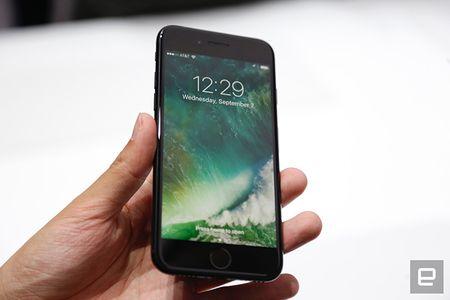 Nhung hinh anh thuc te dau tien iPhone 7/7 Plus Apple vua ra mat - Anh 8