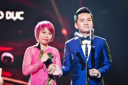 Nha Phuong, Truong Giang cung thang giai VTV Awards - Anh 8