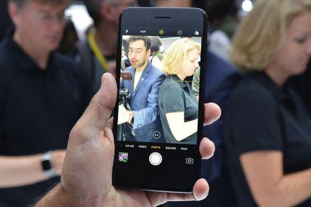 Anh va video thuc te iPhone 7 Plus: Camera kep xoa phong - Anh 1