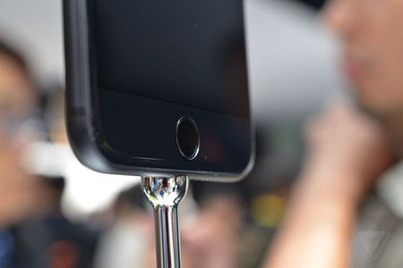 Anh va video thuc te iPhone 7 Plus: Camera kep xoa phong - Anh 4