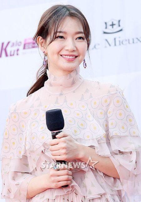 Song Joong Ki banh bao tren tham do - Anh 5