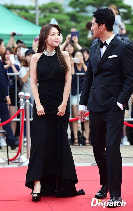 Song Joong Ki banh bao tren tham do - Anh 6