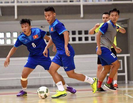 DT futsal Viet Nam co dau bep rieng, tap sung cho World Cup - Anh 6