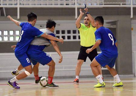 DT futsal Viet Nam co dau bep rieng, tap sung cho World Cup - Anh 7