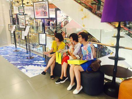 Cam hung duong dai ngap tran Lotte Department Store - Anh 2