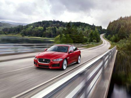 Land Rover va Jaguar to chuc lai thu tai Ha Long, TP HCM - Anh 1