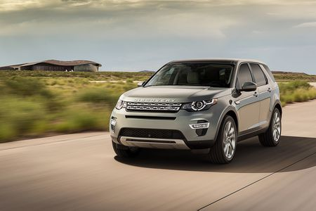 Land Rover va Jaguar to chuc lai thu tai Ha Long, TP HCM - Anh 2