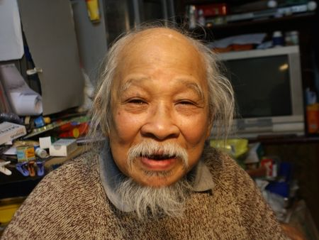 Gap lai 'Giai thuong Lon' Quang Phung: Hoan thanh loi hua voi Ha Noi - Anh 1
