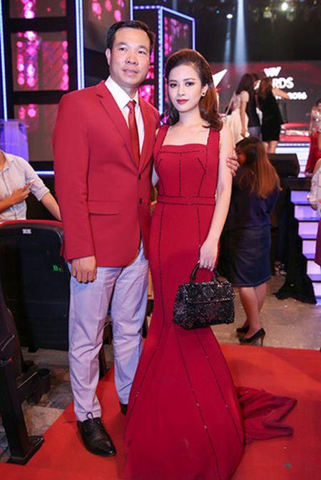 Duong Hoang Yen long lay voi sac do tai VTV Awards - Anh 10