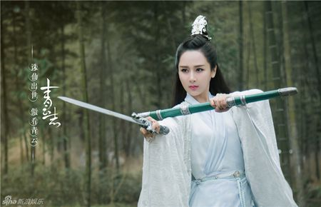 Tranh cai ve 'tien nu' trong phim hut 8 ty luot xem - Anh 3
