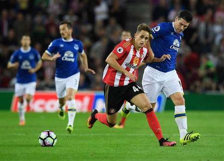 CDV 'cau xin' Sunderland dung tra Januzaj lai cho Man Utd - Anh 1