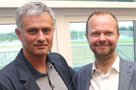 Mourinho se dua M.U len dinh the gioi - Anh 1
