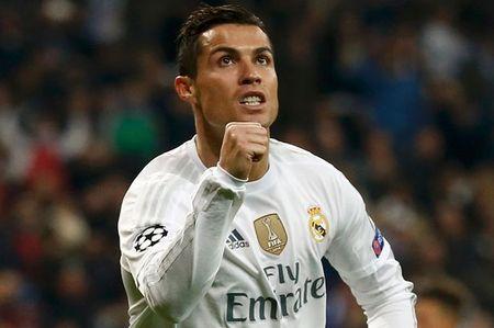 Ronaldo da 'co chuc, co quyen' o Real Madrid - Anh 1